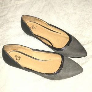 NY&C  Pointed-Toe Flat